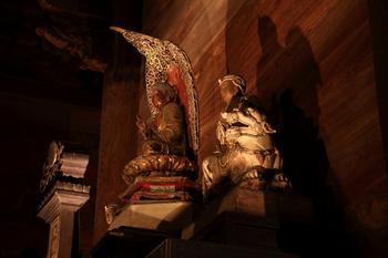 仏殿の仏様